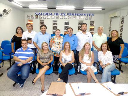 ACIN realiza reunião com prefeito e vereadores de Nhandeara