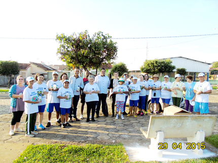 Projetos de Nova Luzitânia recebem garrafa de água para auxiliar durante atividades