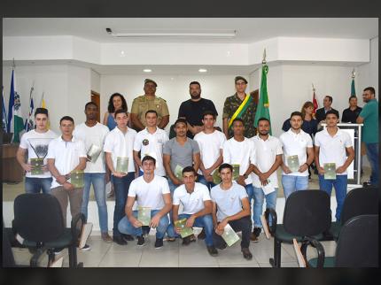 Jovens de Nova Luzitânia recebem CDI