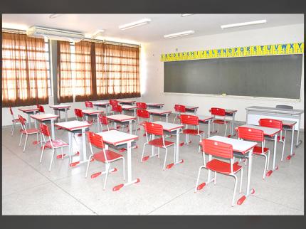Volta às aulas na Escola José Augusto Gama de Souza