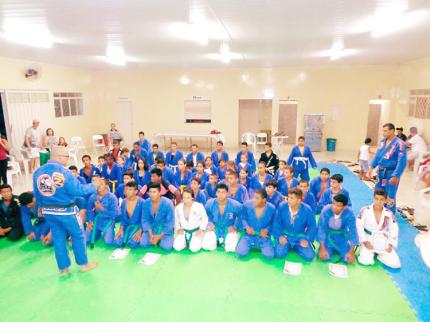 Equipe de Jiu-jitsu de Nova Luzitânia tem 1ª graduação de faixa
