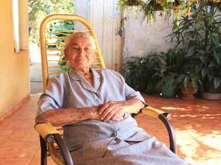 Maria Silvéria Morari relembra histórias de sua vida em Nova Luzitânia