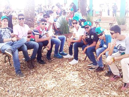 Jovens de Nova Luzitânia participam da maior feira agropecuária da América Latina