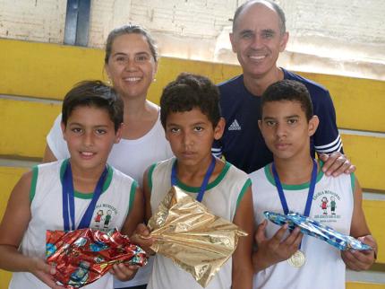 Escola de Nova Luzitânia realiza II Festival de Xadrez e Tênis de Mesa