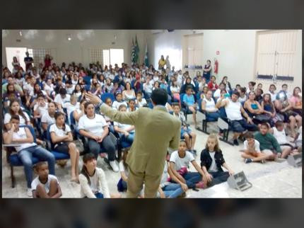 Professor americano escolhe Nova Luzitânia para sediar palestra