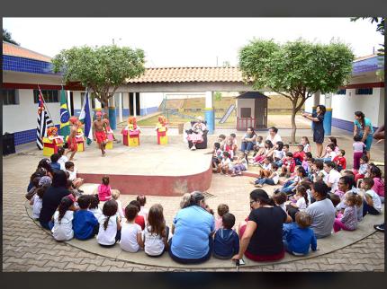 Comemoração do Dia Nacional do Livro Infantil em Nova Luzitânia
