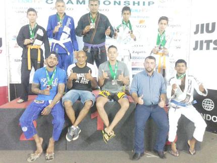 Equipe de Jiu-jitsu de Nova Luzitânia é campeã em campeonato