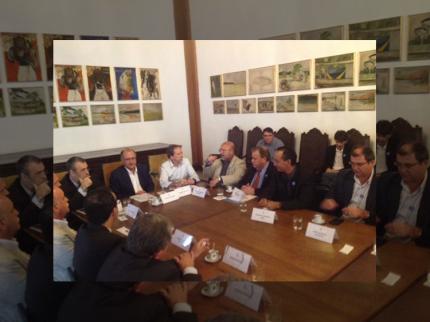 Prefeito de Nova Luzitânia participa de reunião no Palácio