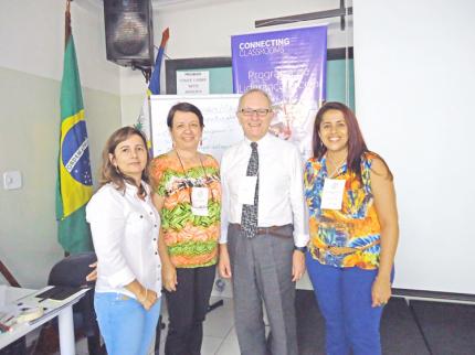 Diretores de escolas municipais de Gastão Vidigal e Nova Luzitânia participam de curso de liderança em Votuporanga