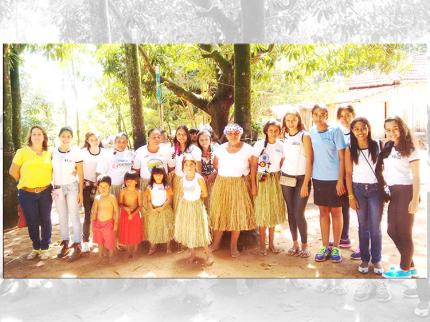 Alunos das 8ªs séries do Ensino Fundamental da Escola Estadual de Nova Luzitânia de Nova Luzitânia visitam a Aldeia e o Museu Vanuíre no município de Tupã-SP