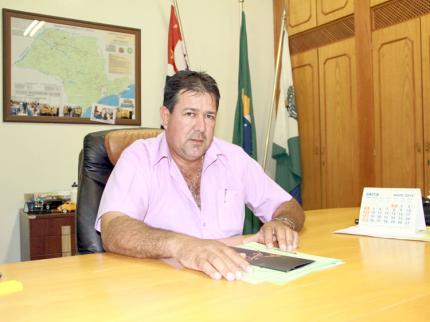 Edinho destaca trabalho social realizado em prol a Hospital da região