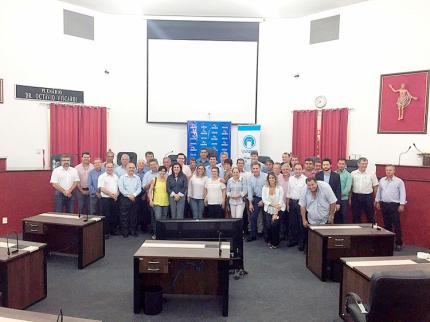 Municípios da região renovam convênios do programa Vivaleite 2015