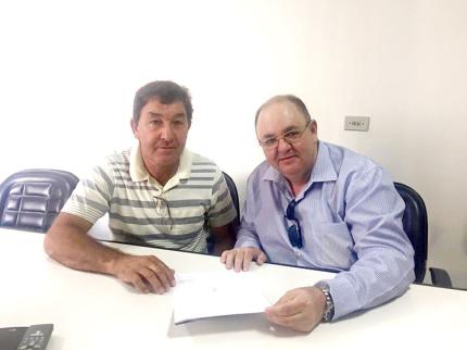 Laerte Rocha sugere criação de comemoração do Dia do Professor em Nova Luzitânia