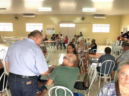 Terceira Idade recebe visita de grupo do Guarujá
