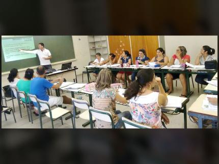 Professores da Escola Municipal recebem capacitação