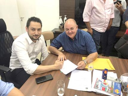 Prefeito Laerte acompanha visita de secretário na região