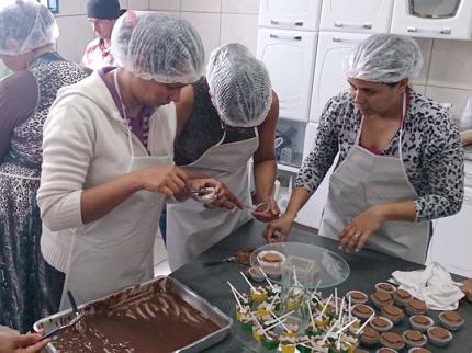 CRAS promove cursos que visam Geração de Renda em Nova Luzitânia