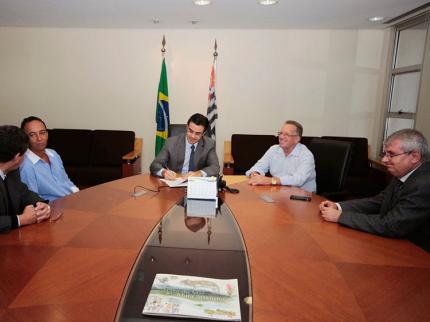 Rodrigo Garcia recebe Magda e Nova Luzitânia