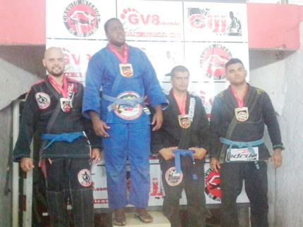 Atleta de Jiu-Jitsu de Nova Luzitânia ganha medalha em circuito regional