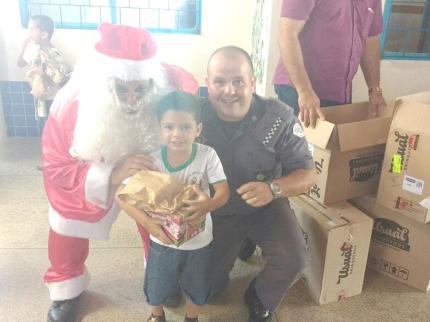 Polícia Militar realiza Natal para crianças